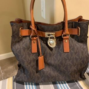 Micheal Kors Top Handle Bag & Wallet